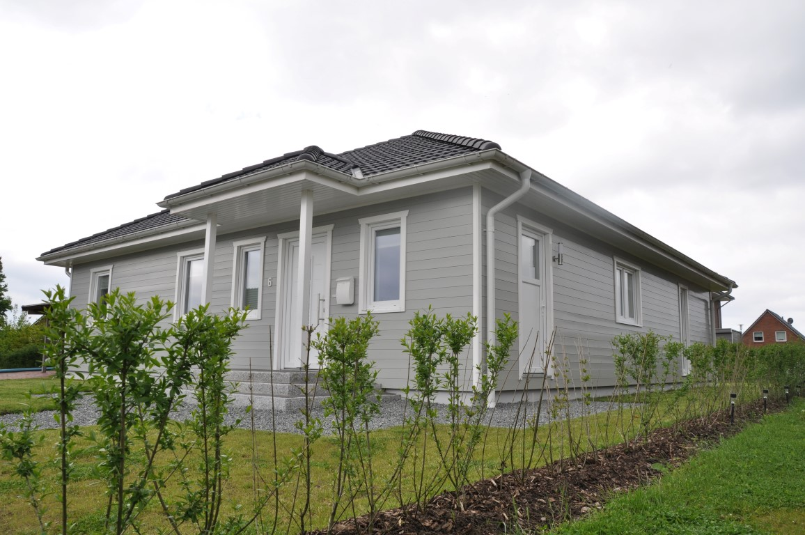 Bungalow Fassade bungalow mit grauer holzfassade thams häuser